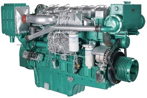 Marine Diesel Engines 112 Kw 152 HP For Boat With Four Stroke Binary Cooling
